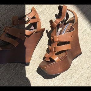 Steve Madden high wedge leather sandals size 5.5